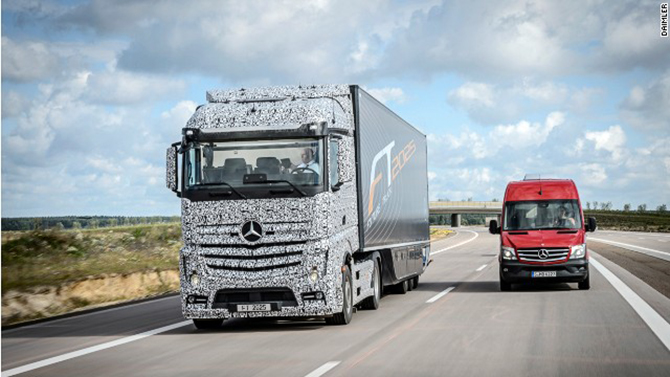 Daimler is developing the Mercedes-Benz Future Truck 2025 -- a driverless lorry that is a potential solution for increased goods traffic. Photo taken from CNN.com