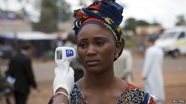 'Many exposed' to Mali Ebola girl