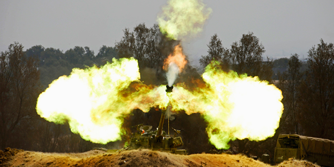 An Israeli mobile artillery unit fires towards the Gaza Strip August 1, 2014. Israel declared a Gaza ceasefire over on Friday and killed more than 50 Palestinians in renewed shelling, saying militants had breached the truce shortly after it began and apparently captured an Israeli soldier. Photo: Reuters