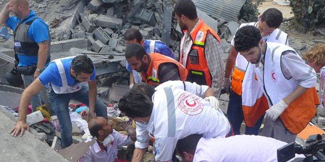 Rescuers found critically injured Asmaa el-Helou after she had been buried in the rubble for 12 hours. Photo taken from BBC
