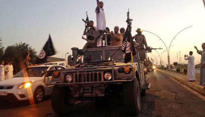Isis 'just one mile from Baghdad' as al-Qaeda joins militants' fight against West