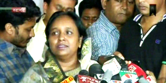 Selina Hayat Ivy addressing media at the secretariat premises on Monday after giving her deposition to a probe body over seven-murder case. Photo: TV grab