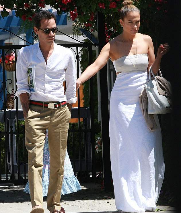 Jennifer Lopez with ex-husband Marc Anthony in June 2013 at an event for their twins Max and Emme, aged six. The photo is taken from Daily Mail Online.