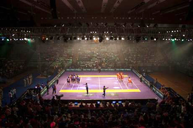 Indians watch a Pro Kabaddi League match in New Delhi, India on Aug 6, 2014. Photo: AP