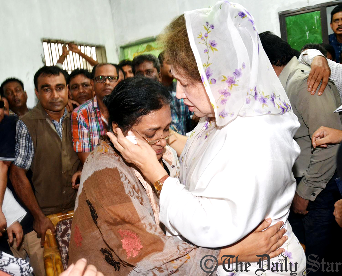 BNP Chairperson Khaleda meets family members of seven people who were murdered brutally after their abduction in Narayanganj. Photo: Amran Hossain