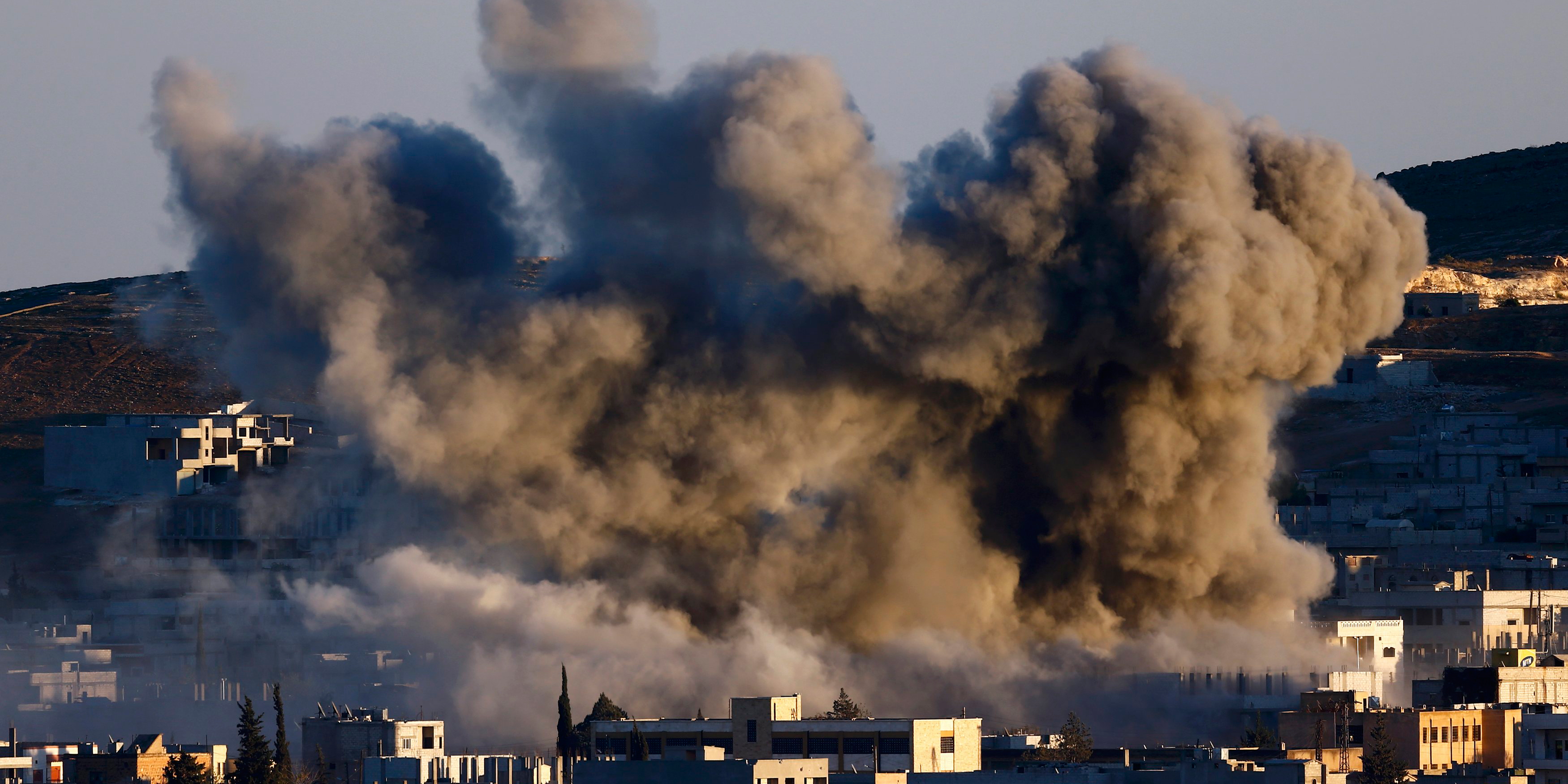 US probes 'stray Syria air drop' in IS video