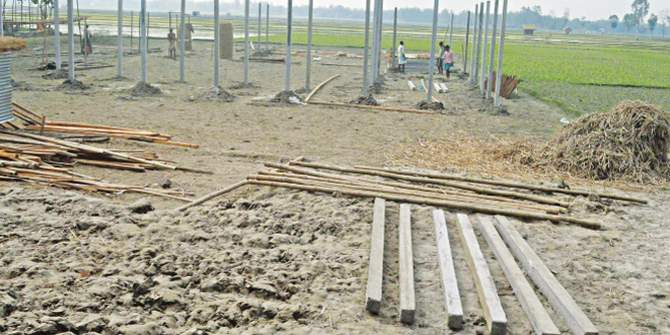 An Awami Leaguer is getting structures built on a piece of land that belongs to Bhabani Kanta Sen at Rasulpur of Patgram in Lalmonirhat. Star file photo