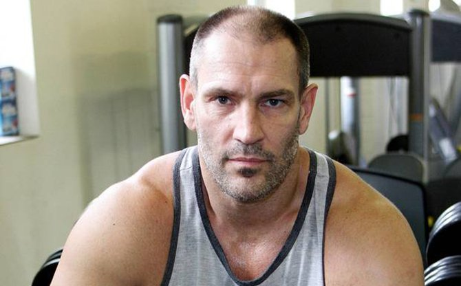 Dave Legeno pictured at the Moor Fitness Gym, Chesham, Buckinghamshire, Britain on 10 Aug 2009. Photo: The Independent