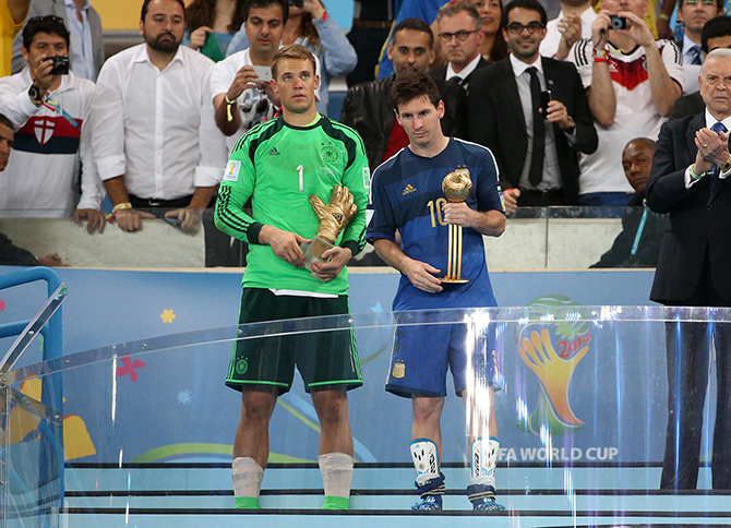 Goalkeeper of Germany Manuel Neuer and Lionel Messi of Argentina are honored as best goalkeeper and best player of the tournament after the 2014 FIFA World Cup Brazil Final match between Germany and Argentina at Estadio Maracana on July 13, 2014 in Rio de Janeiro, Brazil. Photo: Getty Images