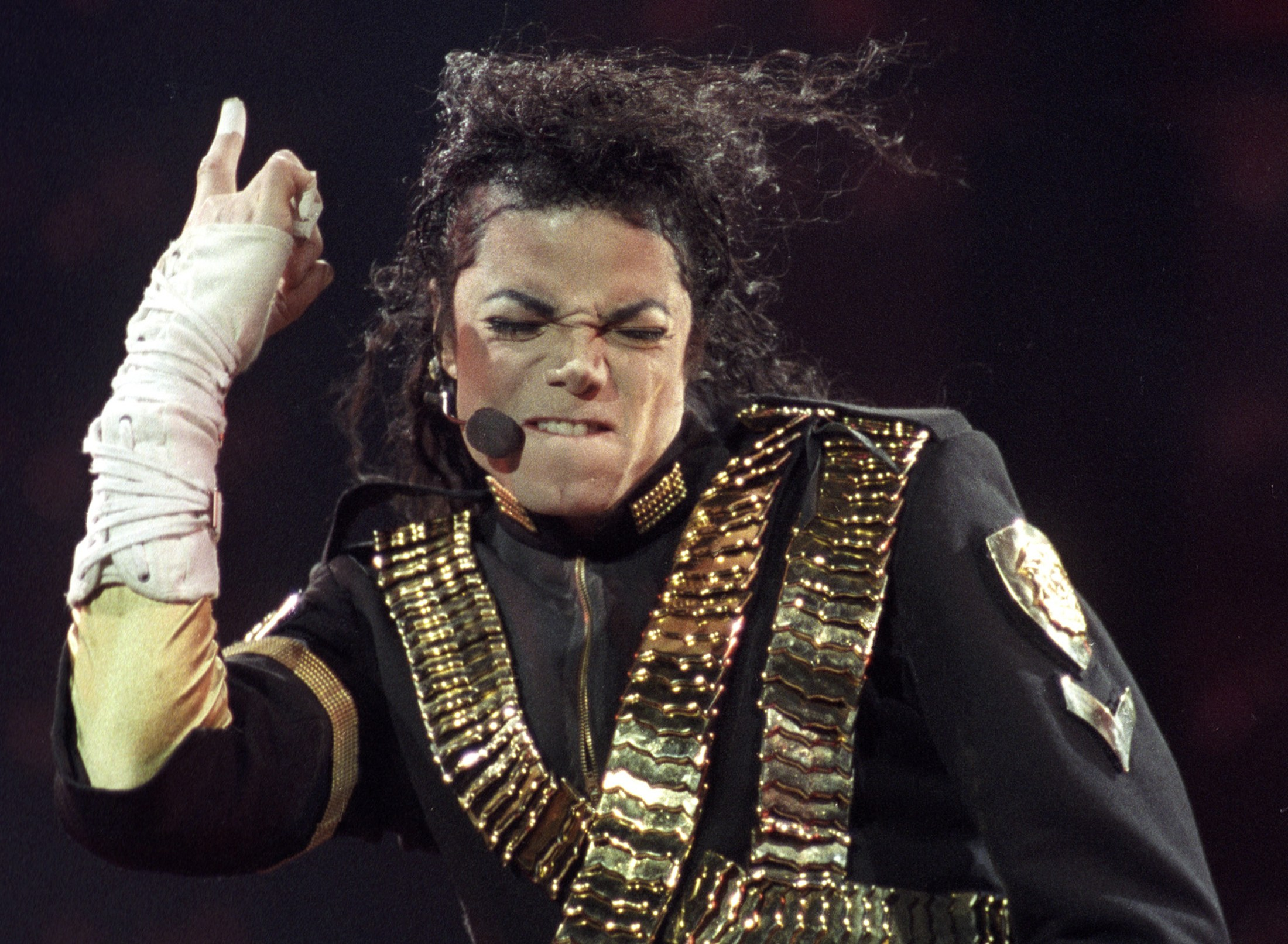 Michael Jackson stored DNA to create clones?