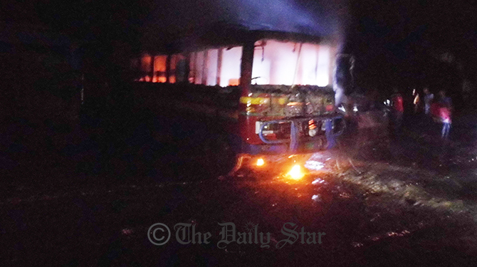 5 vehicles torched
