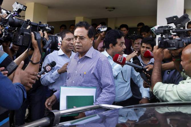 This May 12 photo shows members of an investigation committee headed by Md Shahjahan Ali Mollah, additional secretary to the public administration ministry, talk to reporters on Narayanganj abductions and killings.