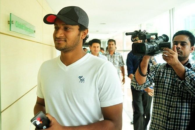 Shakib Al Hasan visits BCB headquarters in Mirpur after he returns home from London on Sunday. Photo: Firoz Ahmed