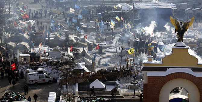 Tents of anti-government protesters are seen at Independence Square in central Kiev January 26, 2014. Opposition leaders, whose power base is among protesters massing in the square whose name evokes the independence Ukraine gained in 1991, continued to press for concessions including early elections and the repeal of an anti-protest law.