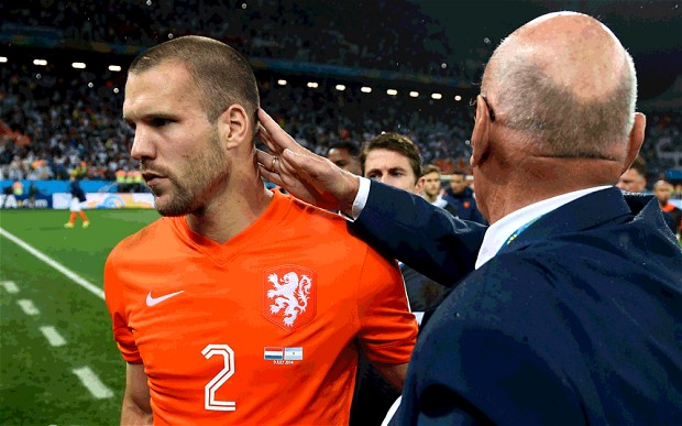 Ron Vlaar surprise shoot-out choice as teammates refused