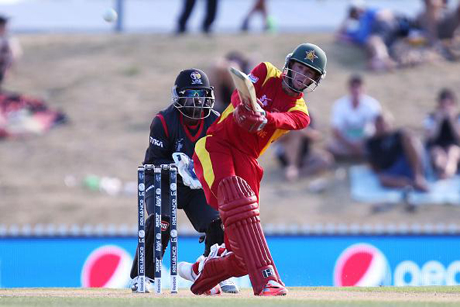 Sean Williams strikes a delivery for his match-winning knock of 76 that sealed Zimbabwe's 4-wicket victory over UAE at the World Cup 2015 on Febraury 19, 2015. Photo: ICC