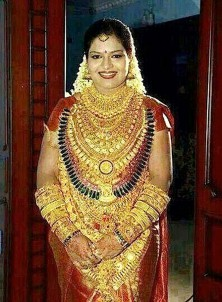 Indian bride wears £400,000 of jewellery on wedding day