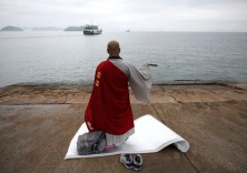 South Korea ferry: Third officer 'had the helm'