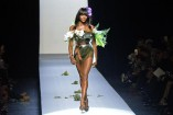 Naomi Campbell displays superb stems in Paris Gaultier show