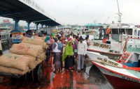 Small water transports asked to stop plying