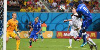 Italy beat ordinary England 2-1