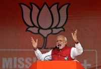 Modi moves in to speed up $300b stuck projects