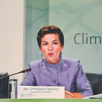 Climate negotiators urged to 'build bridges'