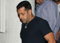 SC sets aside stay on Salman Khan's conviction