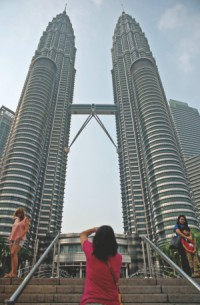 Twin air disasters threaten Malaysian tourism push