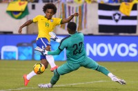 Brazil's Willian crushes Ecuador