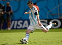 Messi gives Argentina 'water in the desert'